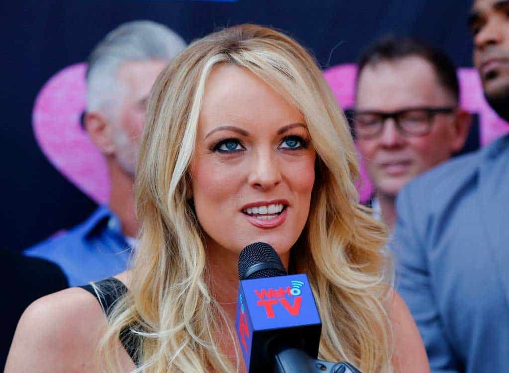 Stormy Daniels, detenida en club striptease de Ohio