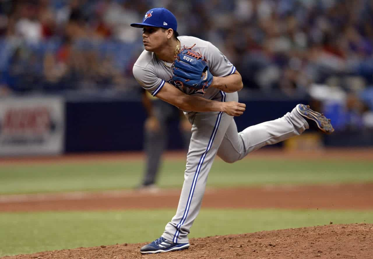 Astros de Houston activa al pitcher mexicano Roberto Osuna