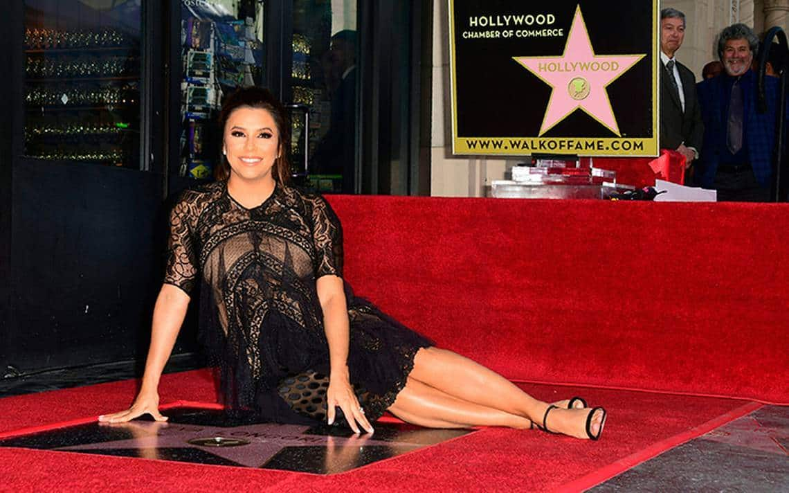 ag rrate 2019 eva longoria ya se puso traje de ba o. Black Bedroom Furniture Sets. Home Design Ideas